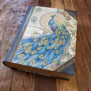 Pooch & Sweetheart | Peacock Book Storage Box